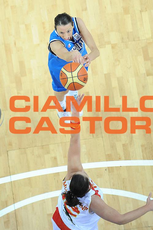 DESCRIZIONE : Riga Latvia Lettonia Eurobasket Women 2009 Quarter Final Spagna Italia Spain Italy<br /> GIOCATORE : Laura Macchi<br /> SQUADRA : Italia Italy<br /> EVENTO : Eurobasket Women 2009 Campionati Europei Donne 2009 <br /> GARA : Spagna Italia Spain Italy<br /> DATA : 17/06/2009 <br /> CATEGORIA : tiro special<br /> SPORT : Pallacanestro <br /> AUTORE : Agenzia Ciamillo-Castoria/M.Marchi