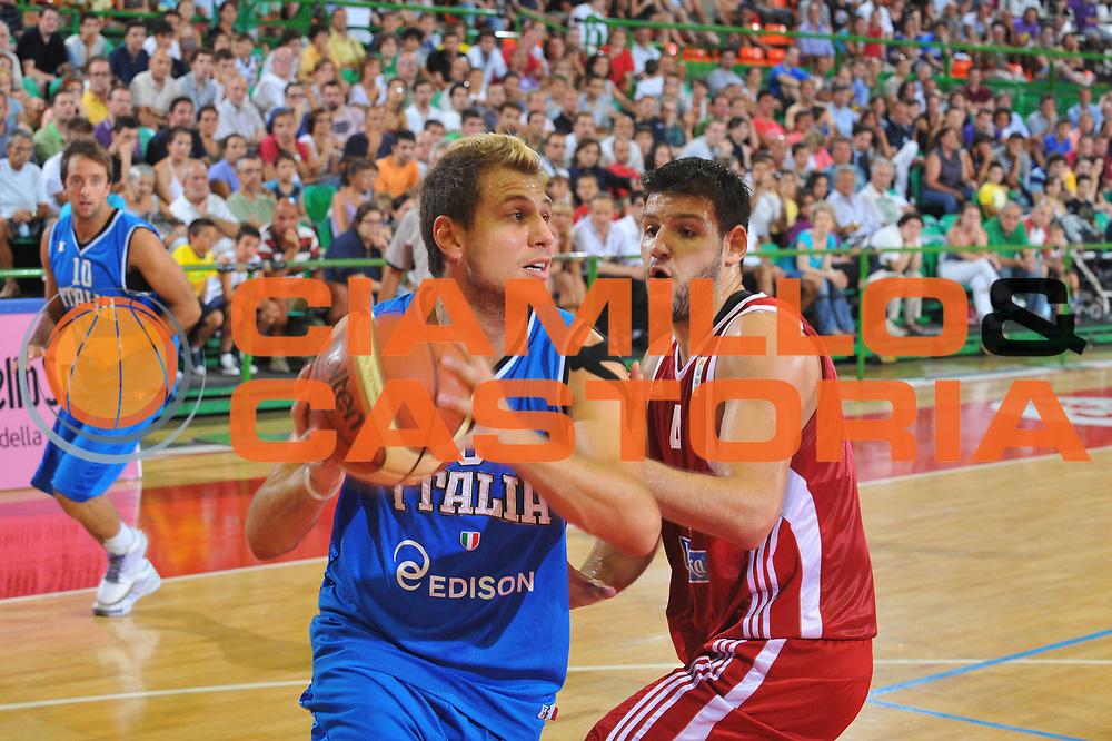 DESCRIZIONE : Firenze I&deg; Torneo Nelson Mandela Forum Italia Bulgaria<br /> GIOCATORE : Stefano Mancinelli<br /> SQUADRA : Nazionale Italia Uomini <br /> EVENTO : I&deg; Torneo Nelson Mandela Forum <br /> GARA : Italia Bulgaria<br /> DATA : 18/07/2010 <br /> CATEGORIA : Penetrazione<br /> SPORT : Pallacanestro <br /> AUTORE : Agenzia Ciamillo-Castoria/M.Gregolin<br /> Galleria : Fip Nazionali 2010 <br /> Fotonotizia : Firenze I&deg; Torneo Nelson Mandela Forum Italia Bulgaria<br /> Predefinita :