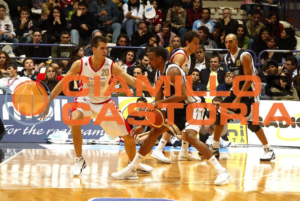 DESCRIZIONE : Bologna Lega A1 2005-06 Tim All Star Game <br /> GIOCATORE : Morandais <br /> SQUADRA : All Star Ail <br /> EVENTO : Tim All Star Game 2005-2006 <br /> GARA : All Star Quadrifoglio Vita All Star Ail <br /> DATA : 11/12/2005 <br /> CATEGORIA : Palleggio <br /> SPORT : Pallacanestro <br /> AUTORE : Agenzia Ciamillo-Castoria/G.Ciamillo