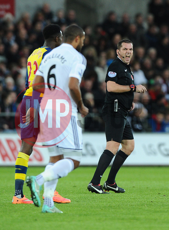 Referee, Phil Dowd  - Photo mandatory by-line: Joe Meredith/JMP - Mobile: 07966 386802 - 09/11/2014 - SPORT - Football - Swanswa - Liberty Stadium - Swansea City v Arsenal - Barclays Premier League