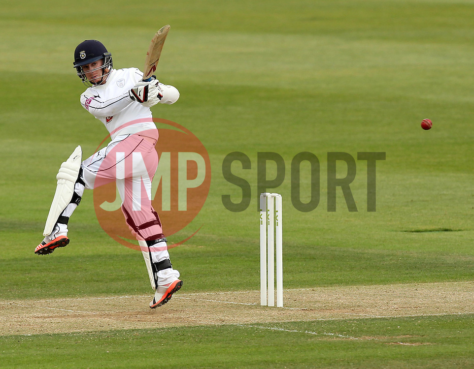 /Hampshire's Adam Wheater pulls the ball - Photo mandatory by-line: Robbie Stephenson/JMP - Mobile: 07966 386802 - 23/06/2015 - SPORT - Cricket - Southampton - The Ageas Bowl - Hampshire v Somerset - County Championship Division One