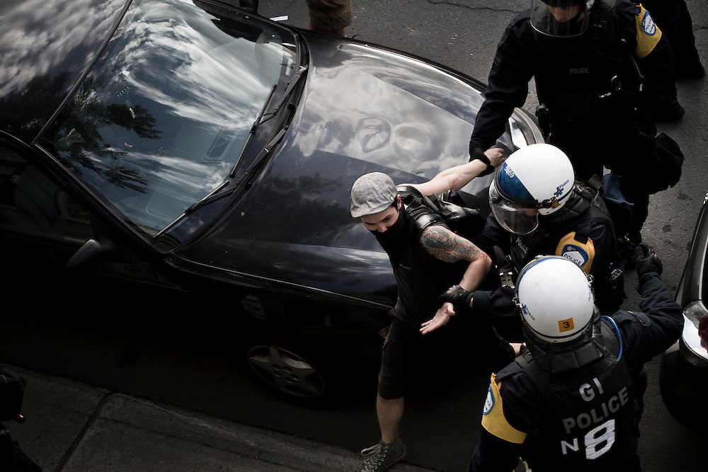 Targeted arrest of demonstrator during Quebec Spring / Printemps Érable. F1 weekend 2012.