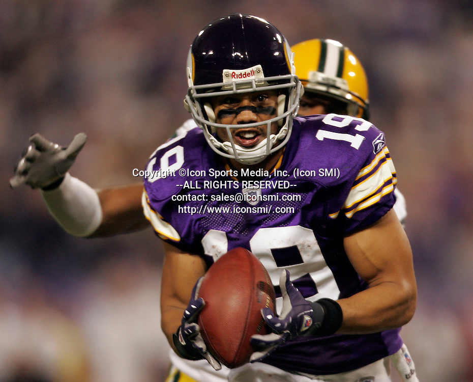 September 30, 2007 - Minneapolis, MN, USA - NFL FOOTBALL: Green Bay Packers against Minnesota Vikings wide receiver BOBBY WADE (19) at Metrodome in Minneapolis, Minn. The Packers won 23-16