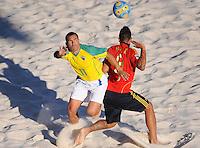 FIFA BEACH SOCCER WORLD CUP 2008 BRAZIL - SPAIN   18.07.2008 BURU (BRA, left) against Javier TORRES (ESP).