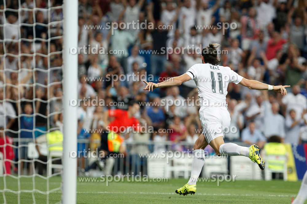 29.08.2015, Estadio Santiago Bernabeu, Madrid, ESP, Primera Division, Real Madrid vs Real Betis, 2. Runde, im Bild Real Madrid&acute;s Gareth Bale celebrates a goal // during the Spanish Primera Division 2nd round match between Real Madrid and Real Betis at the Estadio Santiago Bernabeu in Madrid, Spain on 2015/08/29. EXPA Pictures &copy; 2015, PhotoCredit: EXPA/ Alterphotos/ Victor Blanco<br /> <br /> *****ATTENTION - OUT of ESP, SUI*****