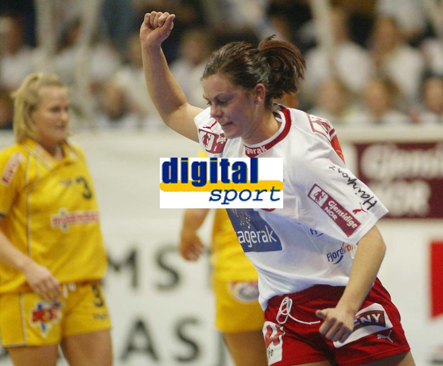 Håndball, 12. januar 2003,  Mesterligaen for kvinner , Bergslihallen , Larvik - Ikast,  Inger Sofie Heieraas, Larvik