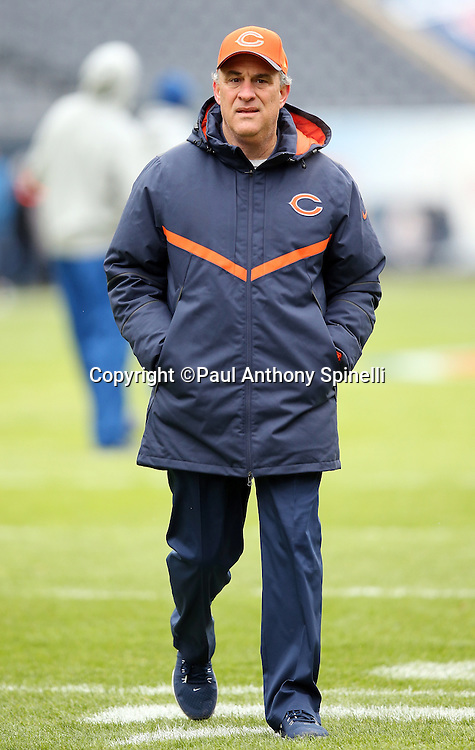 Chicago Bears defensive coordinator Vic Fangio looks on while walking the field before the NFL week 17 regular season football game against the Detroit Lions on Sunday, Jan. 3, 2016 in Chicago. The Lions won the game 24-20. (©Paul Anthony Spinelli)