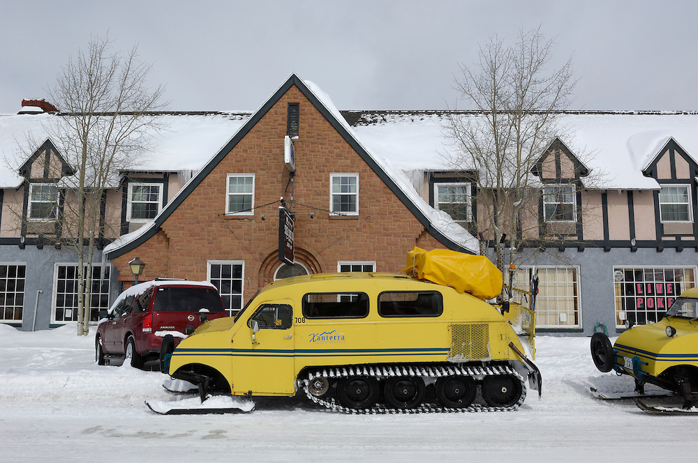 Snowcoach at Stage Coach Inn, West Yellowstone, Snow, Winter, Montana, United States of America.