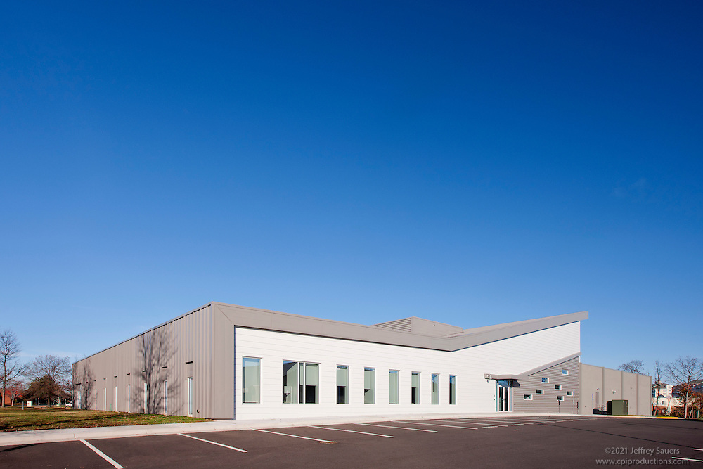 Architectural exteriors of the Alexandria VA Hot Lanes Operations Center by Jeffrey Sauers of Commercial Photographics
