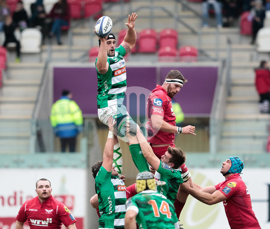 Benetton Rugby's Marco Lazzaroni claims the lineout<br /> <br /> Photographer Simon King/Replay Images<br /> <br /> EPCR Champions Cup Round 3 - Scarlets v Benetton Rugby - Saturday 9th December 2017 - Parc y Scarlets - Llanelli<br /> <br /> World Copyright © 2017 Replay Images. All rights reserved. info@replayimages.co.uk - www.replayimages.co.uk