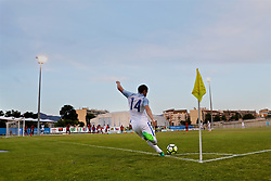 AUBAGNE, FRANCE - Monday, May 29, 2017: England's Elliott Embleton takes a corner during the Toulon Tournament Group A match between England U18 and Angola U20 at the Stade de Lattre-de-Tassigny. (Pic by David Rawcliffe/Propaganda)