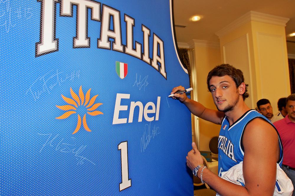 Prersentazione sponsor ENEL a Milano<br /> marco belinelli