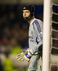 LIVERPOOL, ENGLAND - Thursday, April 17, 2008: Chelsea's goalkeeper Petr Cech during the Premiership match against Everton at Goodison Park. (Photo by David Rawcliffe/Propaganda)