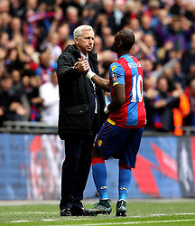 Yannick Bolasie of Crystal Palace celebrates his goal with Crystal Palace Manager Alan Pardew - Mandatory by-line: Robbie Stephenson/JMP - 24/04/2016 - FOOTBALL - Wembley Stadium - London, England - Crystal Palace v Watford - The Emirates FA Cup Semi-Final