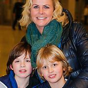 NLD/Amsterdam/20130214 - Premiere musical Peter Pan, Irene Moors en zoontje Tijn en een vriendje