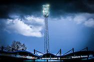 17-04-2016 VOETBAL:WILLEM II-ADO DEN HAAG:TILBURG<br /> Creatief, stadionmast, donkere wolken boven het Willem II stadion<br /> <br /> Foto: Geert van Erven
