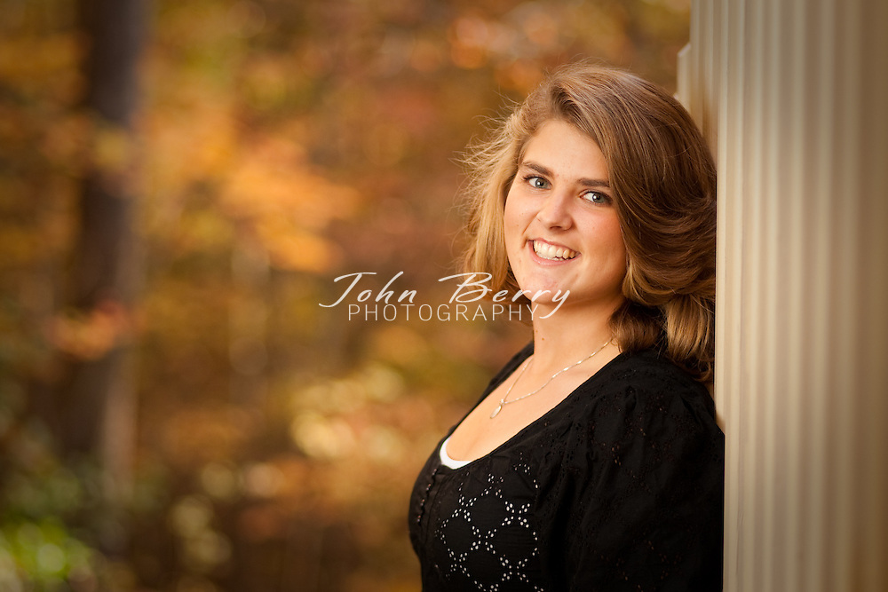 Maci Dyer .Senior Portraits .10/25/09