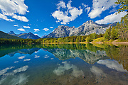 Mt. Kidd  and the Canadian Rocky Mountaisn reflected in Wedge Pond<br />