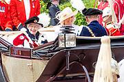 """Koning Willem Alexander wordt door Hare Majesteit Koningin Elizabeth II geïnstalleerd in de 'Most Noble Order of the Garter'. Tijdens een jaarlijkse ceremonie in St. Georgekapel, Windsor Castle, wordt hij geïnstalleerd als 'Supernumerary Knight of the Garter'.<br /> <br /> King Willem Alexander is installed by Her Majesty Queen Elizabeth II in the """"Most Noble Order of the Garter"""". During an annual ceremony in St. George's Chapel, Windsor Castle, he is installed as """"Supernumerary Knight of the Garter"""".<br /> <br /> Op de foto / On the photo:  Koningin Elizabeth / Queen Elizabeth"""
