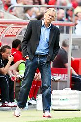 30.04.2010,  Rhein Energie Stadion, Koeln, GER, 1.FBL, FC Koeln vs Bayer 04 Leverkusen, 31. Spieltag, im Bild: Volker Finke (Trainer Koeln)   EXPA Pictures © 2011, PhotoCredit: EXPA/ nph/  Mueller       ****** out of GER / SWE / CRO  / BEL ******
