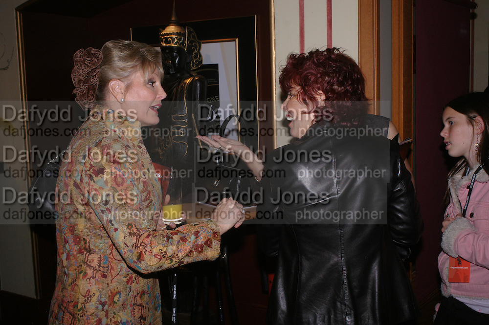 Angela Rippon and Ruby Wax, Opening night of Dralion. Cirque de Soleil's 20th anniversary. Royal Albert Hall. 6 jan 2005. ONE TIME USE ONLY - DO NOT ARCHIVE  © Copyright Photograph by Dafydd Jones 66 Stockwell Park Rd. London SW9 0DA Tel 020 7733 0108 www.dafjones.com