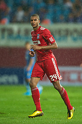 TRABZON, TURKEY - Thursday, August 26, 2010: Liverpool's David Ngog in action against Trabzonspor during the UEFA Europa League Play-Off 2nd Leg match at the Huseyin Avni Aker Stadium. (Pic by: David Rawcliffe/Propaganda)
