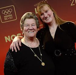 17-12-2013 ALGEMEEN: SPORTGALA NOC NSF 2013: AMSTERDAM<br /> In de Amsterdamse RAI vindt het traditionele NOC NSF Sportgala weer plaats. Op deze avond zullen de sportprijzen voor beste sportman, sportvrouw, gehandicapte sporter, talent, ploeg en trainer worden uitgereikt / Sjoukje Rosalie Dijkstra en dochter Katja<br /> ©2013-FotoHoogendoorn.nl