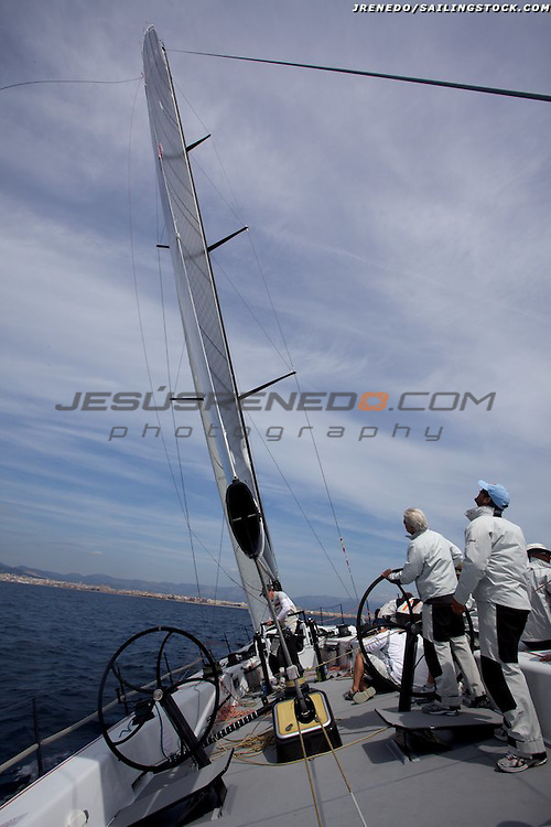 HUBLOT PALMAVELA 2010.On board images of Andy Soriano ´s Mills 68 ALGRE.New.SCR rig (seamless carbon rigging) with an airfoil shape.