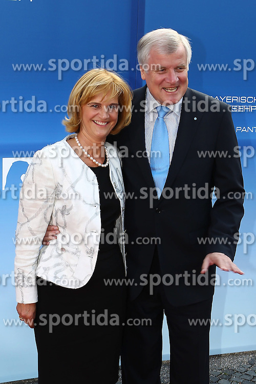 10.06.2011, Prinzregententheater, Muenchen, GER, Bayerischer Fernsehpreis 2011 , im Bild Horst Seehofer mit Ehefrau Karin , EXPA Pictures © 2011, PhotoCredit: EXPA/ nph/  Straubmeier       ****** out of GER / SWE / CRO  / BEL ******
