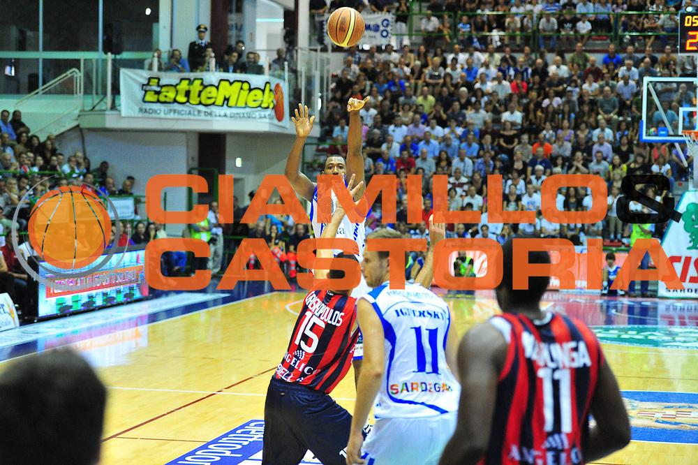 DESCRIZIONE : Sassari Lega A 2012-13 Dinamo Sassari Angelico Biella<br /> GIOCATORE : Bootsy Thornton<br /> CATEGORIA : Tiro<br /> SQUADRA : Dinamo Sassari<br /> EVENTO : Campionato Lega A 2012-2013 <br /> GARA : Dinamo Sassari Angelico Biella<br /> DATA : 30/09/2012<br /> SPORT : Pallacanestro <br /> AUTORE : Agenzia Ciamillo-Castoria/M.Turrini<br /> Galleria : Lega Basket A 2012-2013  <br /> Fotonotizia : Sassari Lega A 2012-13 Dinamo Sassari Angelico Biella<br /> Predefinita :