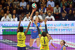 30-04-2016 ITA: Nordmeccanica Piacenza - Imoco Volley Conegliano, Piacenza<br /> Final play-offs, Piacenza brengt de stand terug naar 2-1 / Floortje Meijners<br /> <br /> ***NETHERLANDS ONLY***