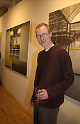 Richard Meaghan. the new Urbanites. Catto Contemporary. 23 May 2002. © Copyright Photograph by Dafydd Jones 66 Stockwell Park Rd. London SW9 0DA Tel 020 7733 0108 www.dafjones.com
