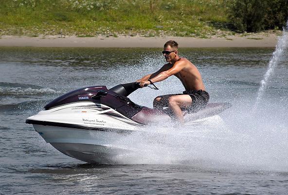 Nederland, Heteren, 19-7-2003Waterscooter, recreatie te water, macho gedrag, geld, speeltje, irritatie, asociaal, overlastFoto: Flip Franssen/Hollandse Hoogte