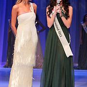 NLD/Nijkerk/20110710 - Miss Nederland verkiezing 2011, Kim Kotter en Miss Flevoland Jill Duijves