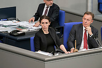 08 NOV 2018, BERLIN/GERMANY:<br /> Mariana Harder-Kuehnel (L), MdB, AfD, und Thomas Oppermann (R), MdB, SPD, Vizepraesident des Deutschen Bundestages, Bundestagsdebatte zum sog. Global Compact fuer Migration, Plenum, Deutscher Bundestag<br /> IMAGE: 20181108-01-051<br /> KEYWORDS: Sitzung, Mariana Harder-Kühnel