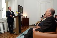 """30 APR 2004, BERLIN/GERMANY:<br /> Gerhard Schroeder (L), SPD, Bundeskanzler, und Walter Riester (R), MdB, SPD, Bundesarbeitsminister a.D., waehrend der Vorstellung von Riesters Buch """"Mut zur Wirklichkeit"""", Deutsche Parlamentarische Gesellschaft<br /> IMAGE: 20040430-02-019<br /> KEYWORDS: Gerhard Schröder"""