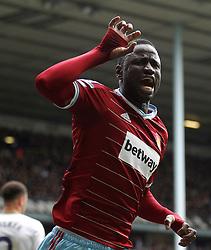 West Ham's Cheikhou Kouyate celebrates scoring a goal - Photo mandatory by-line: Mitchell Gunn/JMP - Mobile: 07966 386802 - 22/02/2015 - SPORT - football - London - White Hart Lane - Tottenham Hotspur v West Ham United - Barclays Premier League
