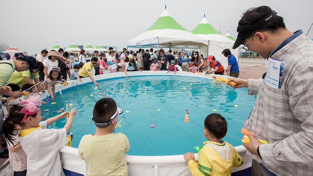 On shore activites for crowds at Korea Match Cup 2013. Gyeonggi Province, Korea. 2 June 2013 Photo: Subzero Images/AWMRT