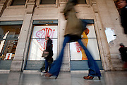2013/001/05 Roma, nella foto l'inizio dei saldi invernali nella capitale..Beginning of winter sales off