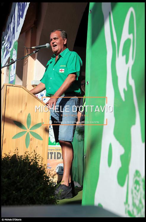 Nella foto Roberto Calderoli in comizio a Paesana (CN) durante la ''Festa dei popoli padani'.....© Michele D'Ottavio