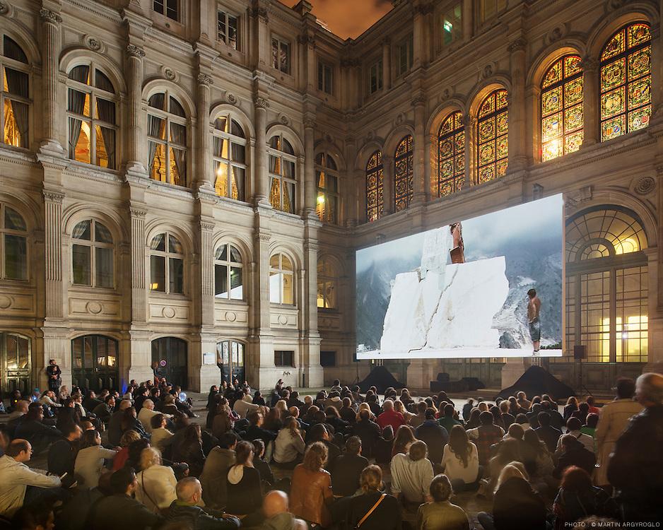 Nuit Blanche 2013.  Yuri Ancarani - Il Capo, 2010, Piattaforma Luna, 2011, Da Vinci, 2012 (Hôtel de Ville)