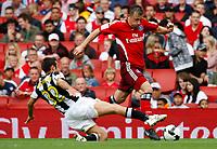 Photo: Richard Lane/Richard Lane Photography. Juventus v SV Hamburg. Emirates Cup. 03/08/2008. Hamburg's Ivica Olic breaks past Juventus' Marco Marchionni.