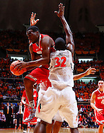 CHAMPAIGN, IL - JANUARY 05: Deshaun Thomas #1 of the Ohio State Buckeyes tries to get off a shot as Nnanna Egwu #32 of the Illinois Fighting Illini applies tight defense at Assembly Hall on January 5, 2013 in Champaign, Illinois. Ilinois defeated Ohio State 74-55. (Photo by Michael Hickey/Getty Images) *** Local Caption *** Deshaun Thomas; Nnanna Egwu