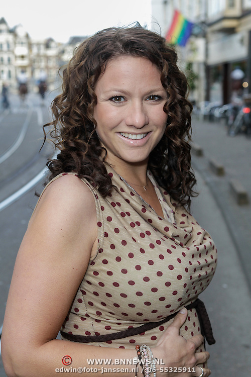 NLD/Amsterdam/20120614 - Uitreiking Jackie's Bachelor List 2012, zwangere Jessica Mendels