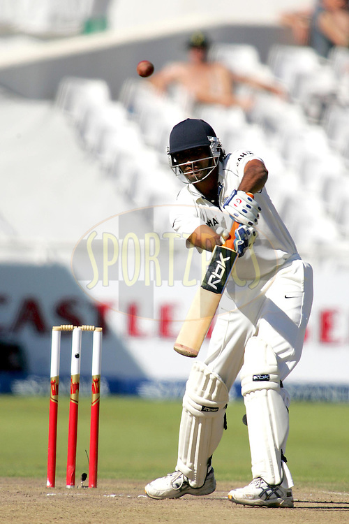 WESTERN CAPE, SOUTH AFRICA - 5th January 2007, Munaf Patel during day 4 of the third test between South Africa and India held at Newlands Stadium, Cape Town...Photo by RG/Sportzpics.net..