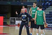 DESCRIZIONE : Pesaro allenamento All star game 2012 <br /> GIOCATORE : Luca Dalmonte<br /> CATEGORIA : curiosita mani schema<br /> SQUADRA : Italia<br /> EVENTO : All star game 2012<br /> GARA : allenamento Italia<br /> DATA : 09/03/2012<br /> SPORT : Pallacanestro <br /> AUTORE : Agenzia Ciamillo-Castoria/GiulioCiamillo<br /> Galleria : Campionato di basket 2011-2012<br /> Fotonotizia : Pesaro Campionato di Basket 2011-12 allenamento All star game 2012<br /> Predefinita :