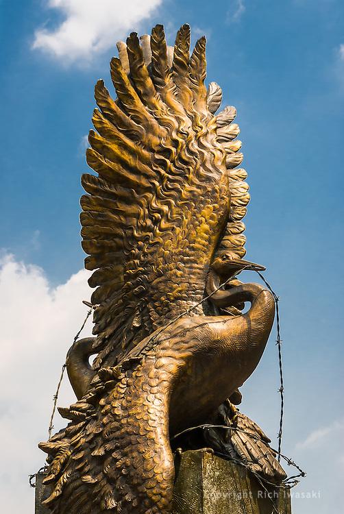 Japanese crane sculpture by Nina A. Akamu, The National Japanese American Memorial To Patriotism, Washington, DC