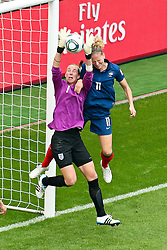 09.07.2011, FIFA Frauen-WM-Stadion Leverkusen, Leverkusen, GER, FIFA Women Worldcup 2011, Viertelfinale, England (ENG) vs. Frankreicht (FRA), im Bild:  Karen Bardsley (England) gegen Laure Lepailleur (Frankreich) (R).. // during the FIFA Women´s Worldcup 2011, Quaterfinal, England vs France on 2011/07/09, FIFA Frauen-WM-Stadion Leverkusen, Leverkusen, Germany.   EXPA Pictures © 2011, PhotoCredit: EXPA/ nph/  Mueller *** Local Caption ***       ****** out of GER / CRO  / BEL ******