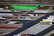Nederland, Gelderland, Gemeente Zaltbommel, 07-03-2010; verzorgingsplaats De Lucht, nieuw parkeerterrein bij het Shell benzine station en wegrestaurant, inclusief de nieuwe - groene - onderdoorgang onder de snelweg, noodzakelijk na de verbreding van de A2..De Lucht (air), service area with new car park at the Shell gas station and diner, including the new - green - underpass under the highway, necessary after  the widening of the A2.luchtfoto (toeslag), aerial photo (additional fee required).foto/photo Siebe Swart