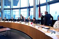 17 FEB 2005, BERLIN/GERMANY:<br /> Sitzungssaal vor Beginn der Sitzung des 2. Untersuchungsauschusses des Deutschen Bundestages, dem sog. Visa-Auschuss, Europasaal, Paul-Loebe-Haus, Deutscher Bundestag<br /> IMAGE: 20050217-01-020<br /> KEYWORDS: Visa-Affaere, Visa-Affäre